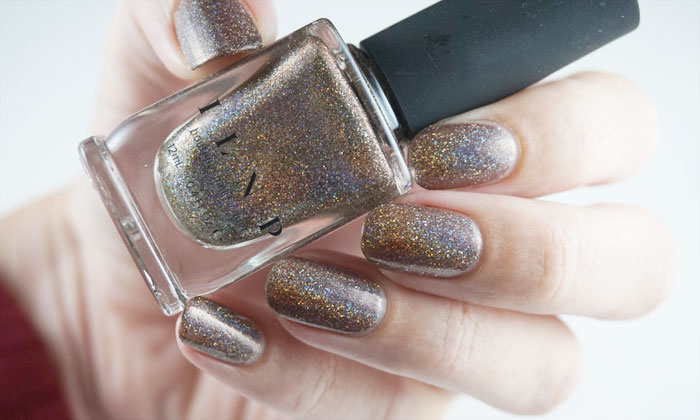 swatch of ILNP mona lisa