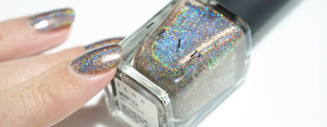 bottle and swatch of ILNP mona lisa