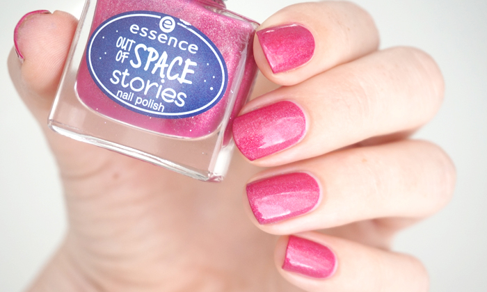 swatch of Essence beam me up from the Out of space stories collection