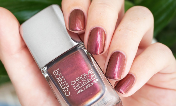 swatch of catrice unexpected red from the chrome infusion collection